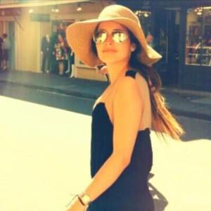 Profile picture for laura rendon