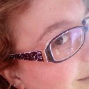 Profile picture for Laura Ponikvar