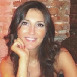 Angie Perez B