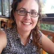 דניאלה משטינגר - מוסמכת (M.A) בטיפול באמצעות אמנויות