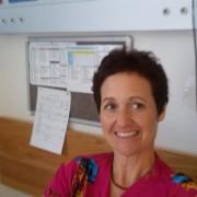 איילת אדלר - עובדת סוציאלית, מטפלת משפחתית וזוגית