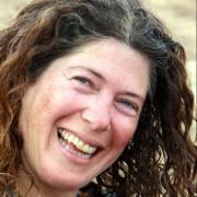 שושנית פייגנברג - בוגרת תכנית הנחיית קבוצות