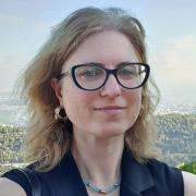 קטיה ספקטורוב - עובדת סוציאלית