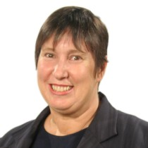 Profile picture of Lynne Roberts