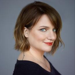 Photo of Sarah-Jane Morris