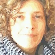 """אביגיל שרים-קליין - מטפלת בהבעה ויצירה, חברה ביה""""ת, בוגרת תכנית הנחיית קבוצות"""